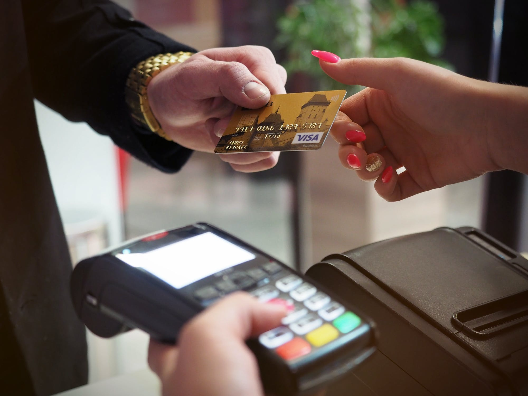 Is it Best to Get the Lowest Interest Credit Card?